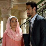 Hiba Abouk y Stany Coppet en el episodio cuarto de 'El Príncipe'