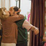 Berta y Antonio se besan en 'La que se avecina'
