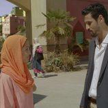 Hiba Abouk junto con Stanny Coppet en 'El Príncipe'