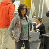 Leo Margets, concursante de 'Supervivientes 2014', en el aeropuerto
