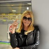 Bibiana Fernández, concursante de 'Supervivientes 2014', en el aeropuerto