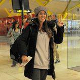 Anabel Pantoja, concursante de 'Supervivientes 2014', en el aeropuerto