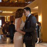 Alberto besa a Cristina en medio de las galerías 'Velvet'