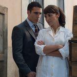 Alberto mira a Ana en 'Velvet'