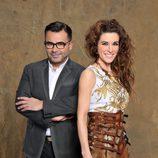 Raquel Sánchez Silva y Jorge Javier Vázquez posan para 'Supervivientes 2014'