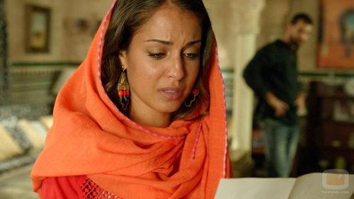 Hiba Abouk emocionada en 'El Príncipe'