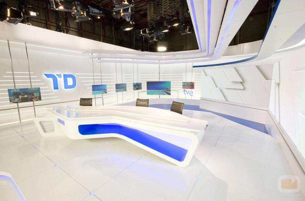 Mesa del nuevo plató del 'Telediario' de TVE