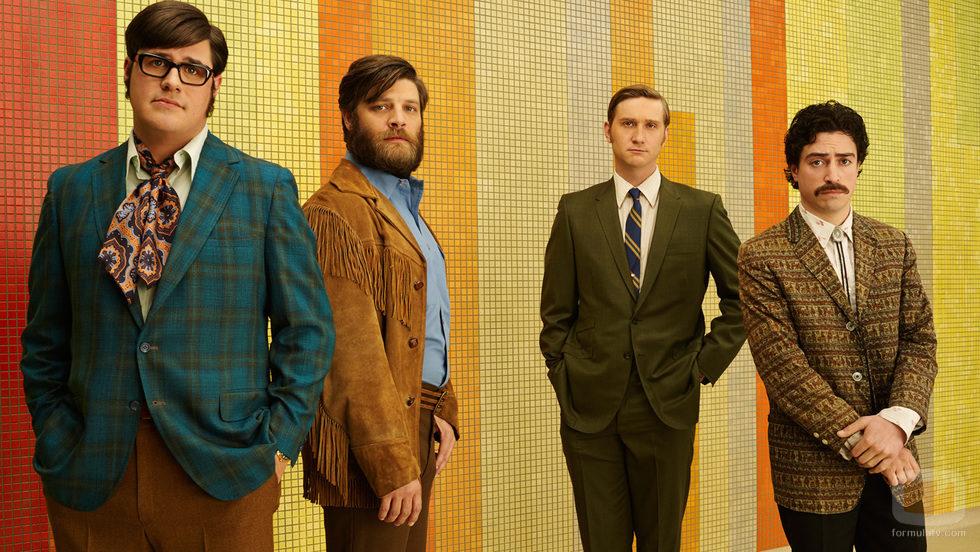 Harry Crane, Stan Rizzo, Ken Cosgrove y Michael Ginsberg en 'Mad Men'
