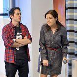 Cuevas y Laura en la tercera temporada de 'Los misterios de Laura'