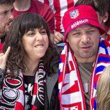 Eli y Chema apoyan al Atlético de Madrid en 'Con el culo al aire'