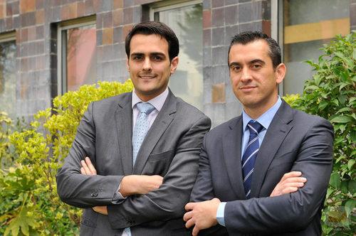 Guillermo Pérez y Jesús Navarro posando para 'El jefe infiltrado'