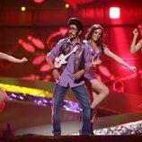 Rodolfo Chikilicuatre interpreta su canción en la final de Eurovisión 2008