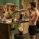Dani Rovira y Fran Perea sin camiseta en 'B&b, de boca en boca'