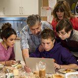 César y Susana junto con sus hijos y sobrina en 'B&b, de boca en boca'