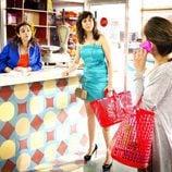 Llum Barrera, Carmen Ruiz y María Leon en 'Con el culo al aire'