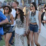 Selena Gómez junto a Kylie Jenner y Kendall Jenner en el Festival de Música Coachella 2014