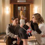Cecilia Freire y Adrián Lastra se miran en 'Velvet'