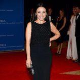 Julia Louis Dreyfus posa en la Cena de Corresponsales de la Casa Blanca 2014