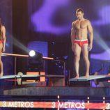 Patricia Martínez y Leo Cámara preparándose para saltar en 'Mira quién salta'