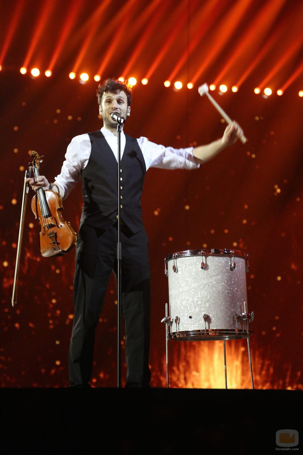 SEBalter, de Suiza, en los ensayos de la Final de Eurovisión 2014