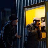 Adrián Lastra llama por telefono desde Alemania en 'Velvet'
