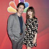 Ben Feldman y Cristin Milioti, protagonistas de 'A to Z', en los Upfronts 2014 de NBC