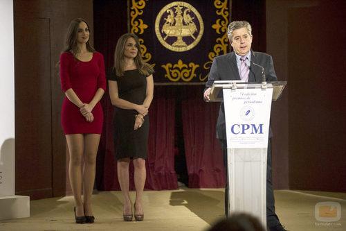 César acude a una entrega de premios para periodistas