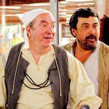 Paco Tous y Janfri Topera se sorprenden en 'Con el culo al aire'