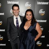 Andrew Leeds y Cristela Alozno en los Upfronts 2014 de ABC