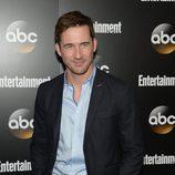 Barry Sloane en los Upfronts 2014 de ABC