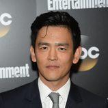 John Cho presenta 'Selfie' en los Upfronts 2014 de ABC