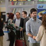 María se reencuentra con Bruno en el aeropuerto en 'Sin identidad'