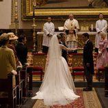Manuela Velasco llega al altar vestida de novia en 'Velvet'
