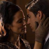 Max Iglesias y Aitana Sáchez-Gijón se besan en 'Velvet'