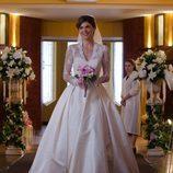 Manuela Velasco vestida de novia en 'Velvet'