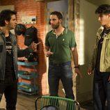 Adil Koukouh (Driss en 'El Príncipe') realiza un cameo en 'B&b, de boca en boca'