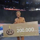 Abraham recoge su premio en 'Supervivientes 2014'