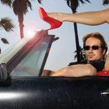 David Duchovny dentro de su coche descapotable en 'Californication'