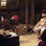 El actor Alejandro Botto aparece sin camiseta en 'El Internado'