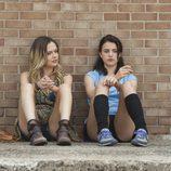 Emily Meade y Margaret Qualley en 'The Leftovers'