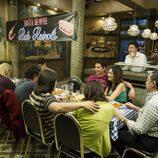 Reunión en el Bar Reinols en el último capítulo de 'Aída'
