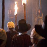 Rachel Boston y Jenna Dewan-Tatum en una escena de 'Las brujas de East End'