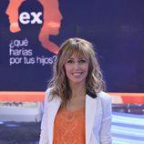 Emma García posa en el plató de 'Ex, ¿qué harías por tus hijos?'