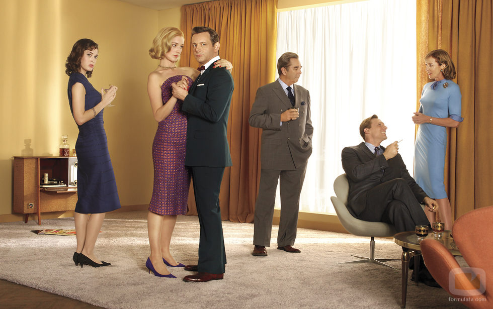 Los protagonistas de 'Masters of Sex' en una imagen promocional de la segunda temporada