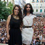 Ruth Lorenzo junto a Conchita Wurst en el Orgullo Gay 2014 de Madrid