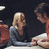 Marta Walraven visita a Irwin Petrov en 'Venganza'