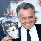 "Ray Wise celebrando el lanzamiento de ""Twin peaks: The Entire Mystery"""