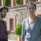 Blanca Romero y Yon González en 'Bajo sospecha'