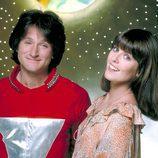 Robin Williams y Pam Dawber en la serie 'Mork & Mindy'