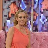 Rocío Carrasco sentada en el sofá de 'Hable con ellas'